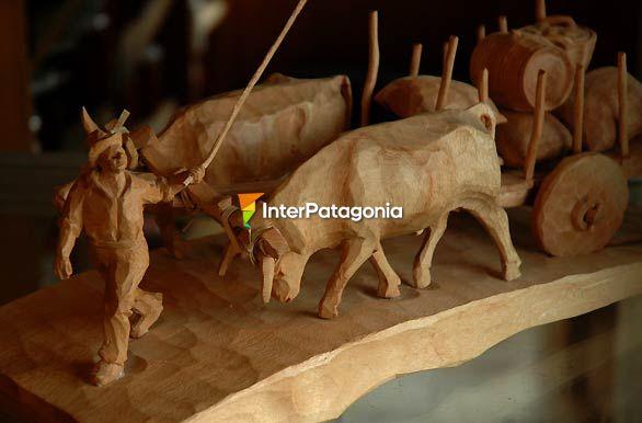 Fotos de frutillar artesan a de madera Artesanias en madera