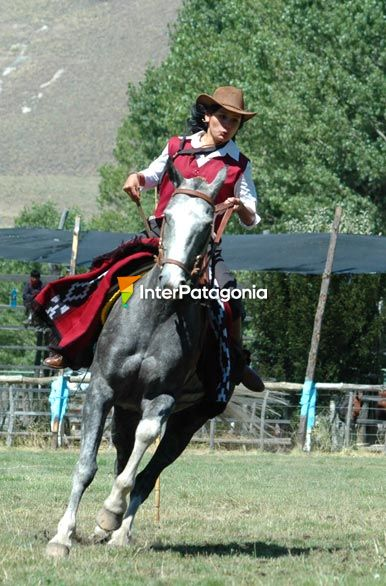Destreza femenina - Jun�n de los Andes,