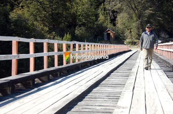 Bridge over El Tigre River - Alto Palena,