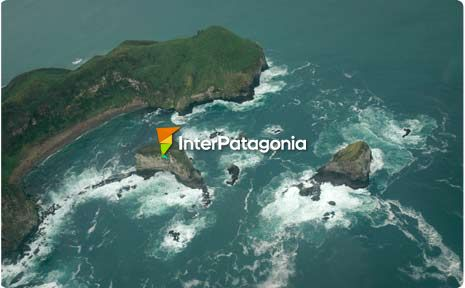 Flying over the Pacific and Chilo� Island.