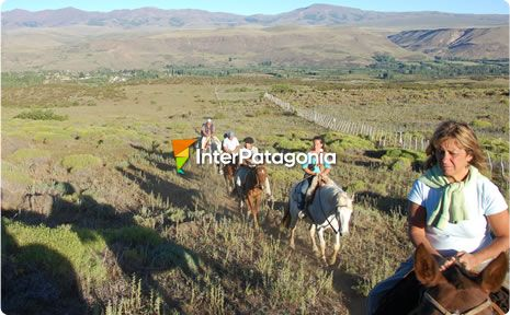 Horseback tour around Alumin�