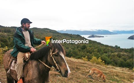 Horseback rides at Lake General Carrera