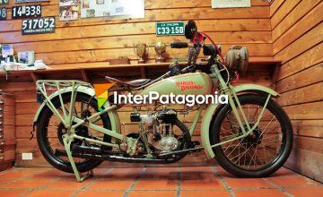 Motorbikes, license plates and other collections