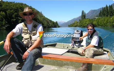 Fishing in the Puelo River, Segundo Corral, Chile, El Bols�n