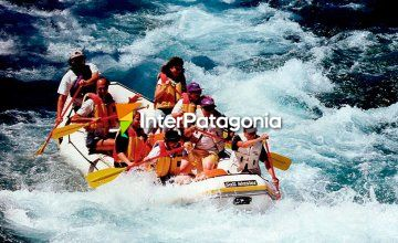 Rafting in Hua-Hum River