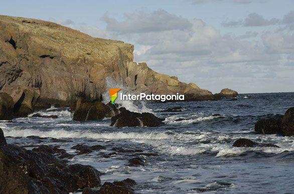 Fotos De Puerto Deseado: Mar Y Rocas