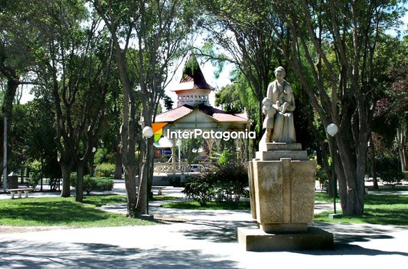 La plaza Independencia - Trelew