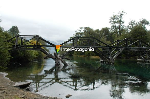 Ruca Malen old bridge, 7-Lake Road - Villa La Angostura